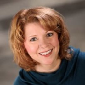 Melanie Benjamin Headshot