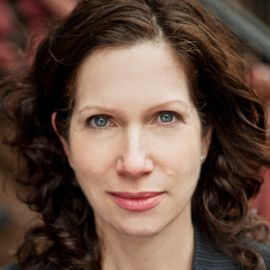 Amy Waldman Headshot