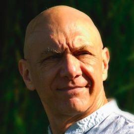 Dr. Bernie Siegel Headshot