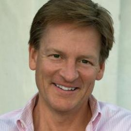 Michael Lewis Headshot