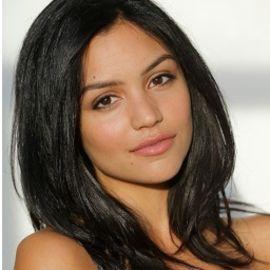 Bianca Santos Headshot