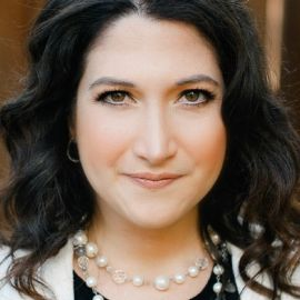 Randi Zuckerberg Headshot