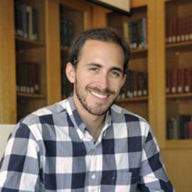 Daniel Schnitzer Headshot