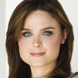 Emily Deschanel Headshot