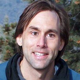 Erik Weihenmayer Headshot