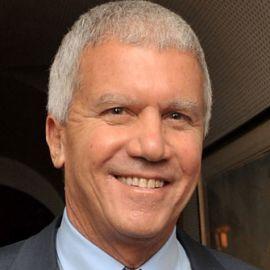 Larry Gagosian  Headshot