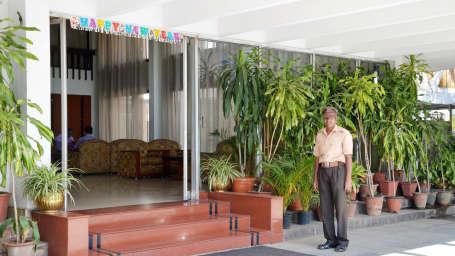 Hotel Chalukya, Bangalore Bangalore Entrance Hotel Chalukya Bangalore 3